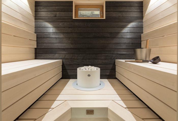 Haapa on kaunis ja kestävä materiaali saunan lauteisiin ja seinään. Sen voi myös pintakäsitellä toivomallaan tavalla!
