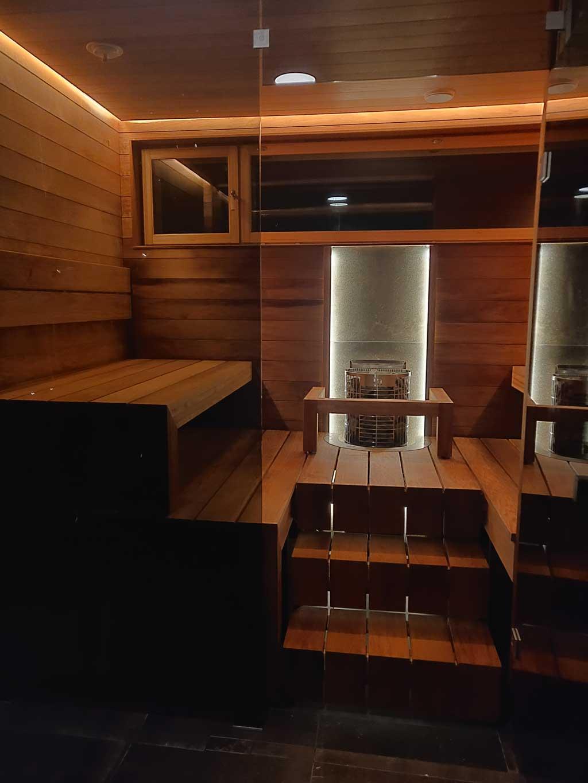 Lämpökäsitelty haapa kestää saunassa. Lumitrendi.