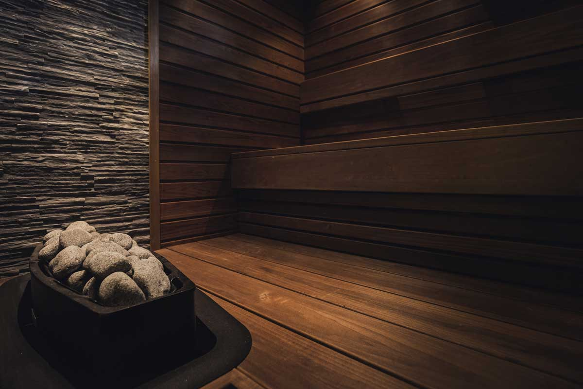 Lämpökäsitelty tervaleppä sopii saunaan.